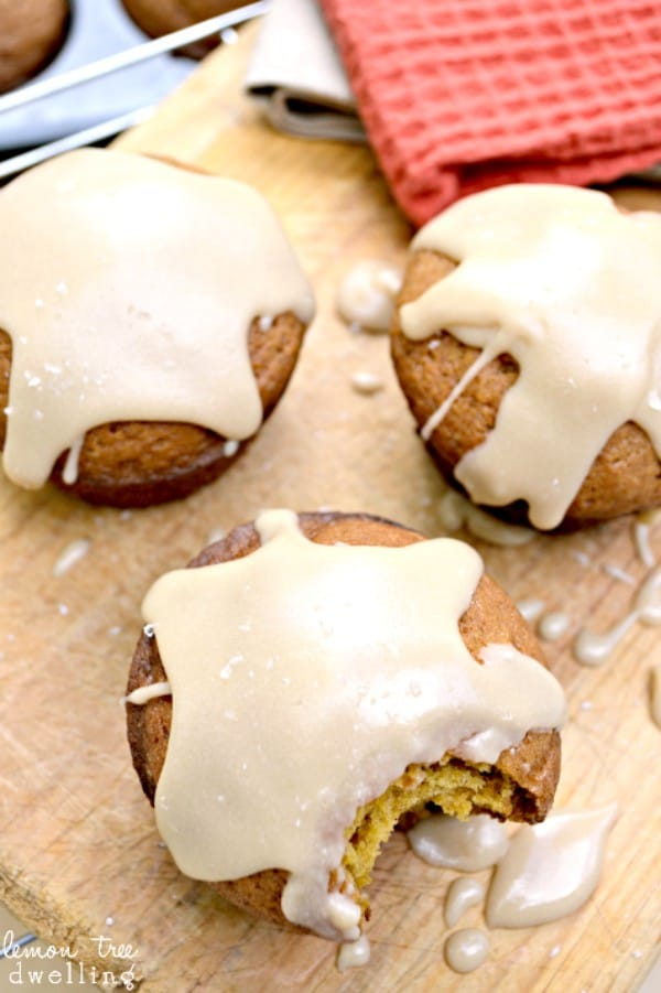 Salted Caramel Pumpkin Muffins - a deliciously salty, sweet combination!