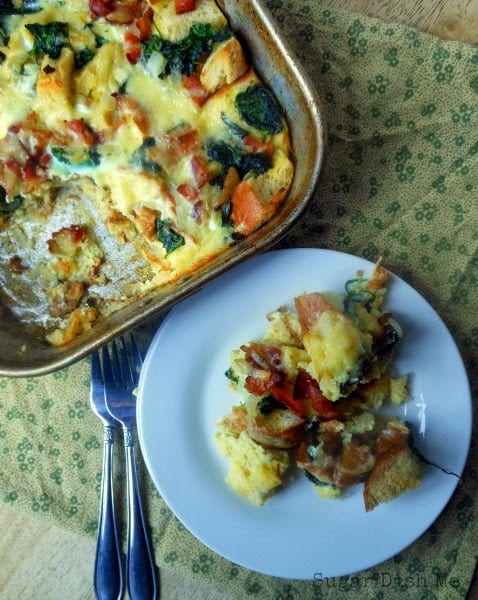 http://www.sugardishme.com/2013/11/01/bacon-spinach-breakfast-casserole/