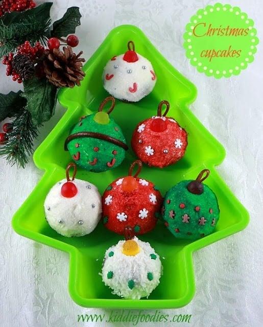 http://www.kiddiefoodies.com/dessert/christmas-cupcakes