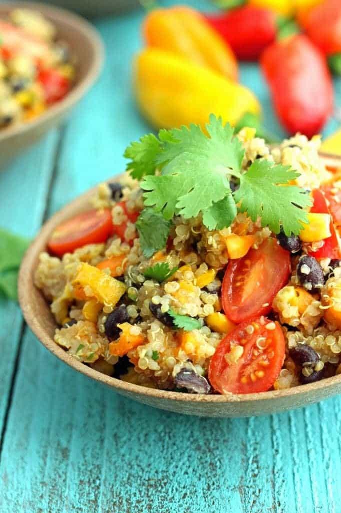 http://chelseasmessyapron.com/detox-quinoa-salad/