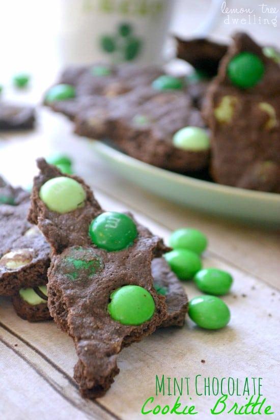 Mint Chocolate Cookie Brittle 4b