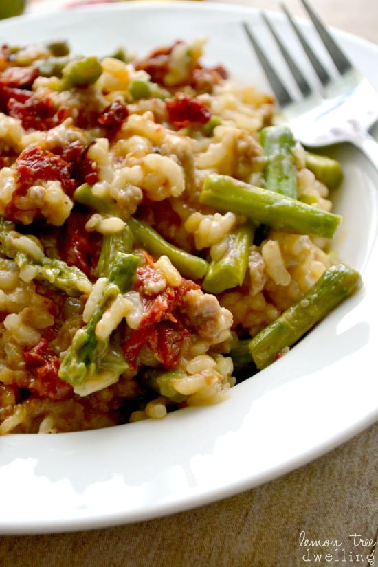 Sun Dried Tomato Asparagus Risotto - just 6 ingredients and 1 pot!