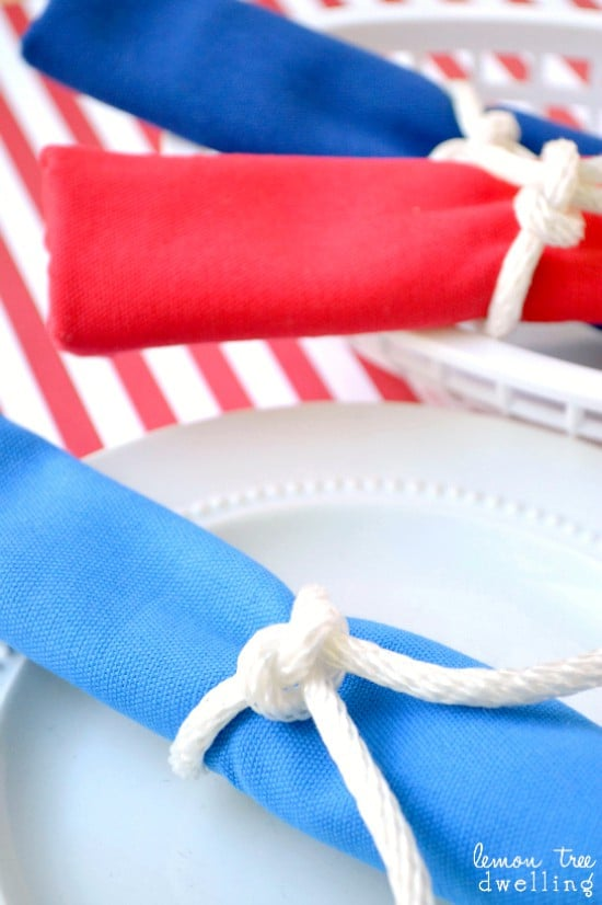 Simple Slipknot Napkin Rings - so perfect for 4th of July!