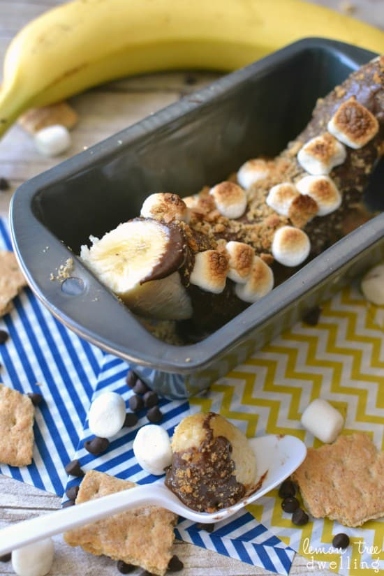 Peanut Butter S'mores Banana Boats - ooey gooey toasted perfection!