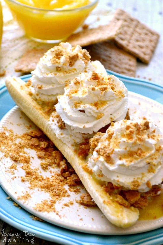 Skinny Banana Cream Pie Boats - just 4 {guilt-free} ingredients!