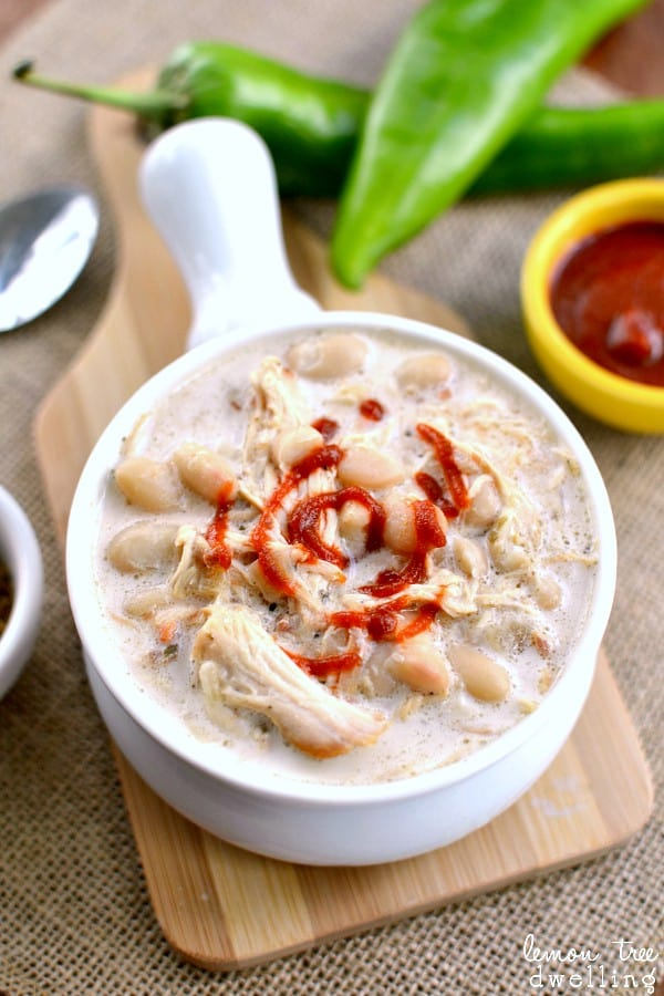 Creamy Sriracha White Chicken Chili - awesome crock pot recipe! Perfect for game day! #mypicknsave #collectivebias #shop @PicknSaveStores