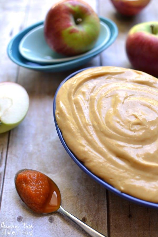 4-Ingredient Pumpkin Caramel Apple Dip
