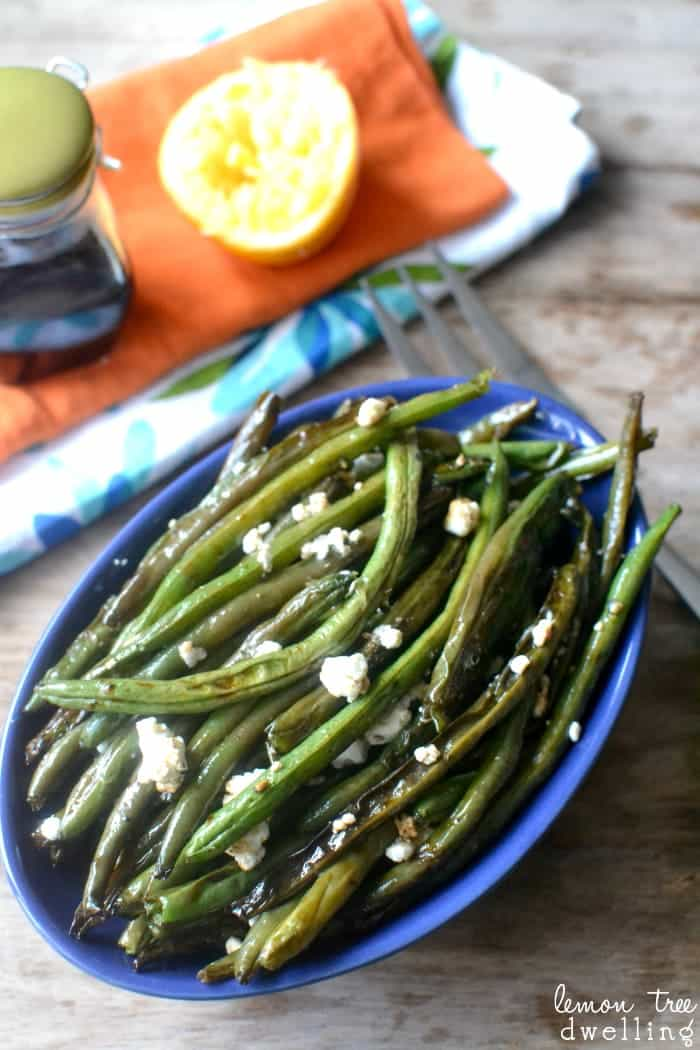 Balsamic Citrus Green Beans are roasted with balsamic vinegar, fresh squeezed orange juice, crumbled goat cheese, and a touch of salt and pepper. This quick and easy side dish are sure to please everyone.