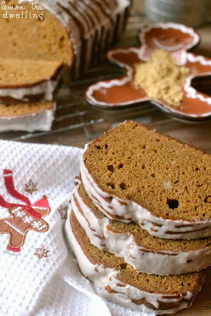 Glazed Banana Gingerbread - banana bread meets gingerbread with a delicious cinnamon glaze!!