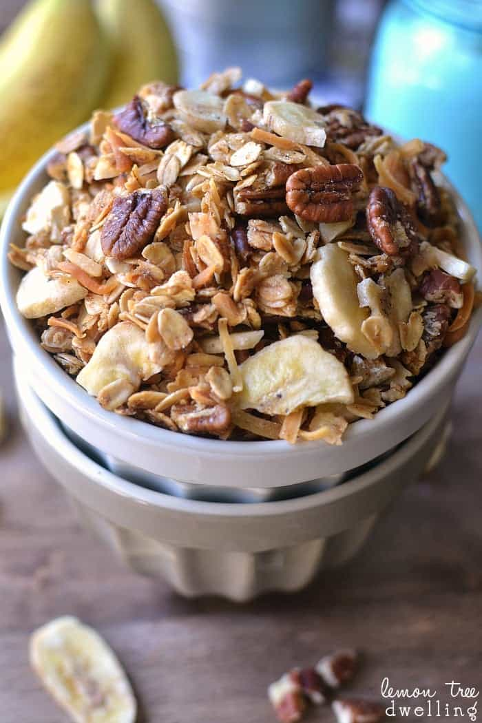 Homemade granola with all the flavors of banana bread. Delicious with ...