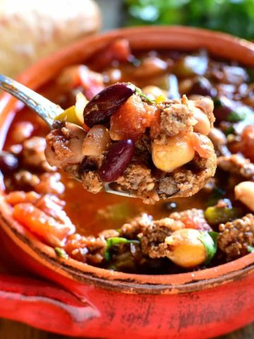 This 5 Bean Chili is loaded with fresh ingredients and packed with flavor. This one pot meal is a deliciously satisfying dish that's also quick & easy to whip up!