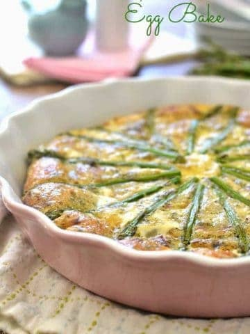 Bacon, Swiss and Asparagus Egg Bake is a delicious crust-less dish that's loaded with delicious flavors. This is a perfect Easter brunch dish for spring!