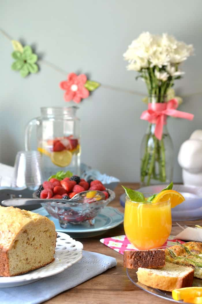 Entertaining with Lemon Basil Mimosas and Chinet® Cut Crystal® #ad #chinet