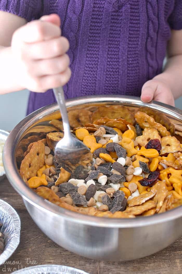 Creating moments with Goldfish Crackers - and a delicious idea for a snack mix! #GoldfishTales #sponsored