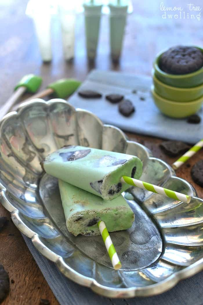 Thin Mint Ice Cream Popsicles made with fresh cream and Thin Mint Girl Scout cookies!