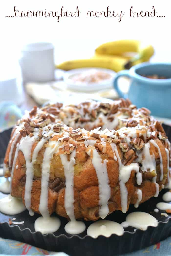 Hummingbird Monkey Bread - all the delicious flavors of hummingbird cake, in a breakfast treat!
