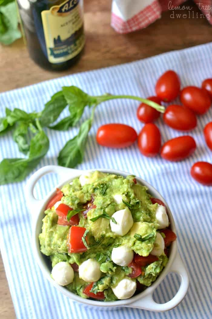 Caprese Guacamole - I'm in love with this flavor combo!