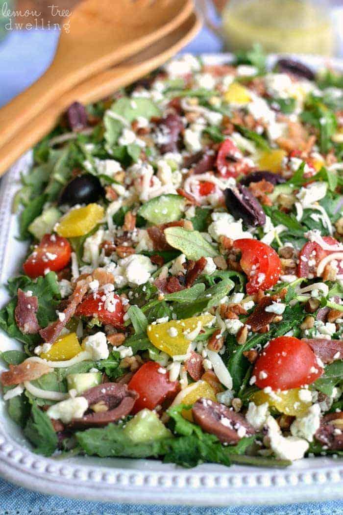 3-Cheese Loaded Italian Salad made with Earthbound Farms Kale Italia #organicbound #sponsored @earthboundfarm