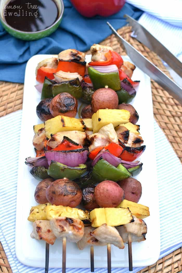 Hawaiian Grilled Chicken Kabobs with Honey Ginger Teriyaki Sauce. SO yummy! #mypicknsave #ad