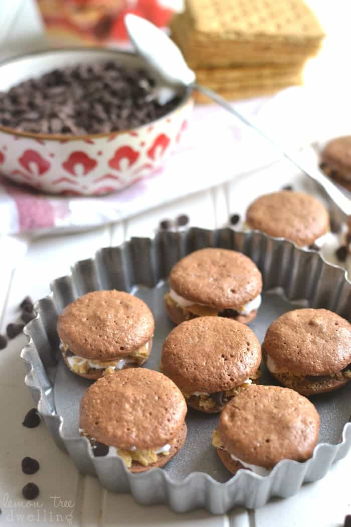 Skinny S'mores Macarons lightened up with Truvia Natural Sweetener! The perfect little *skinny* bites! #truvia #sponsored @truviabrand