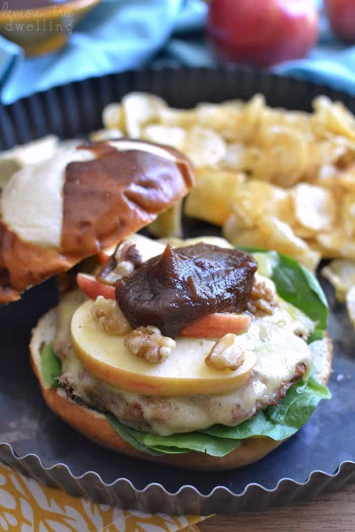 These Cheddar Apple Turkey Burgers are grilled to perfection and ...