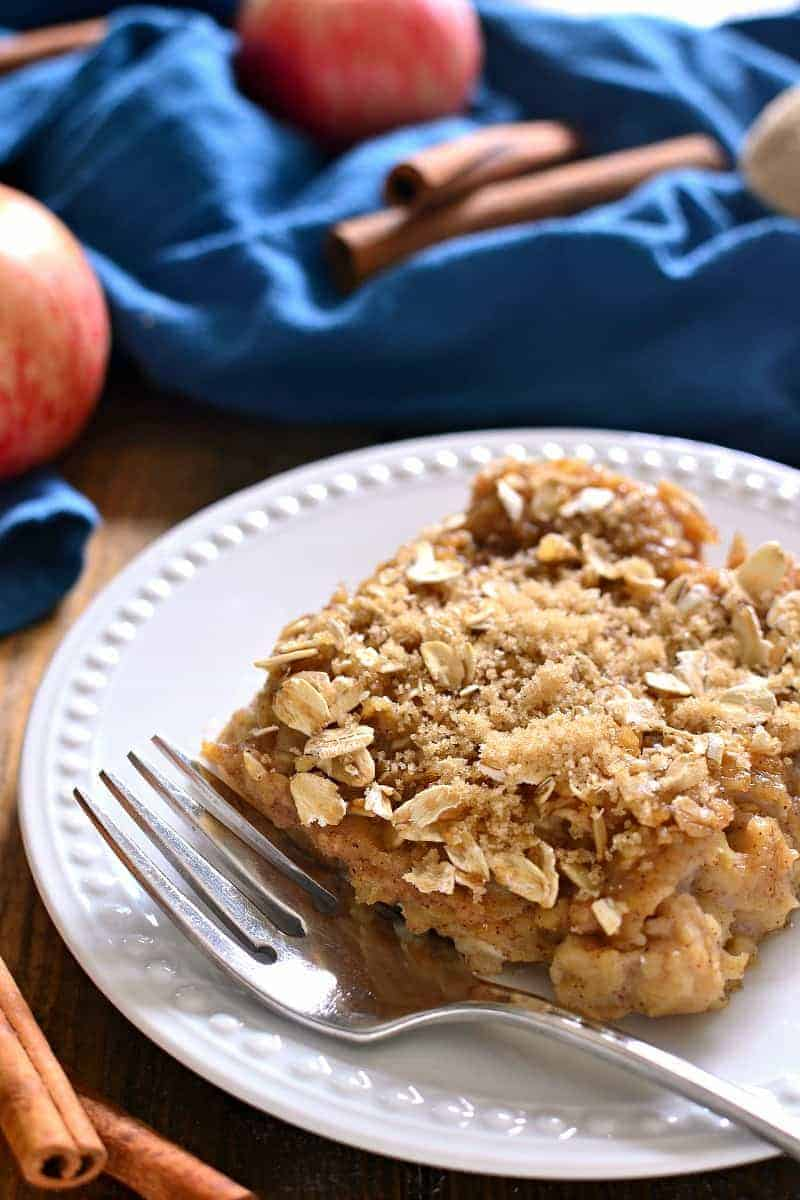 Apple Cinnamon Baked Oatmeal is loaded with fresh apples, cinnamon, and brown sugar, then baked to creamy perfection. Perfect for busy weekday mornings....just in time for back to school!