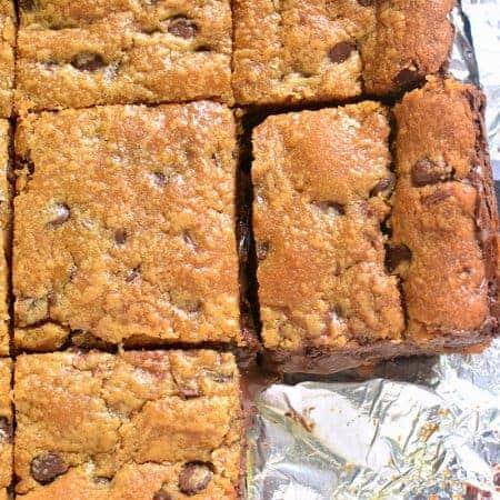 chocolate-filled-pb-cookie-bars-1c