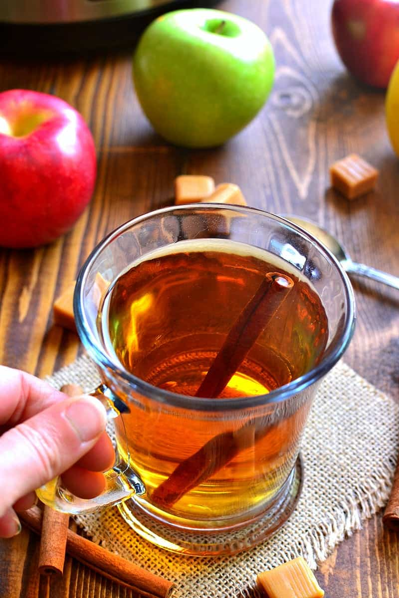 This Boozy Butterscotch Crock Pot Apple Cider is deliciously sweet ...