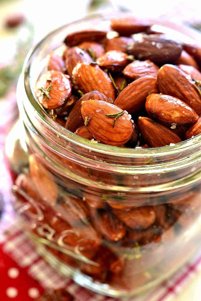 Rosemary Olive Oil Roasted Almonds - so easy to make, and perfect for holiday gifting!