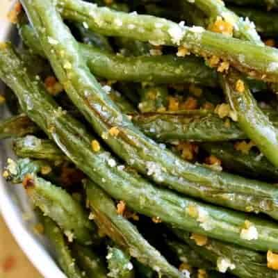 Parmesan Roasted Green Beans are a delicious way to enjoy fresh green beans! Perfect for holidays, dinners, or a healthy snack.