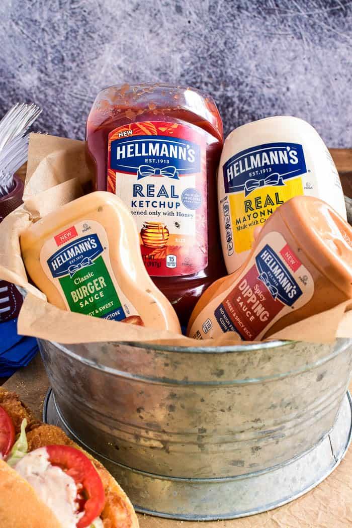 Hellmann's Classic Burger, Sauce Hellmann's Real Ketchup, Hellmann's Real Mayonnaise, Hellmann's Spicy Dipping Sauce
