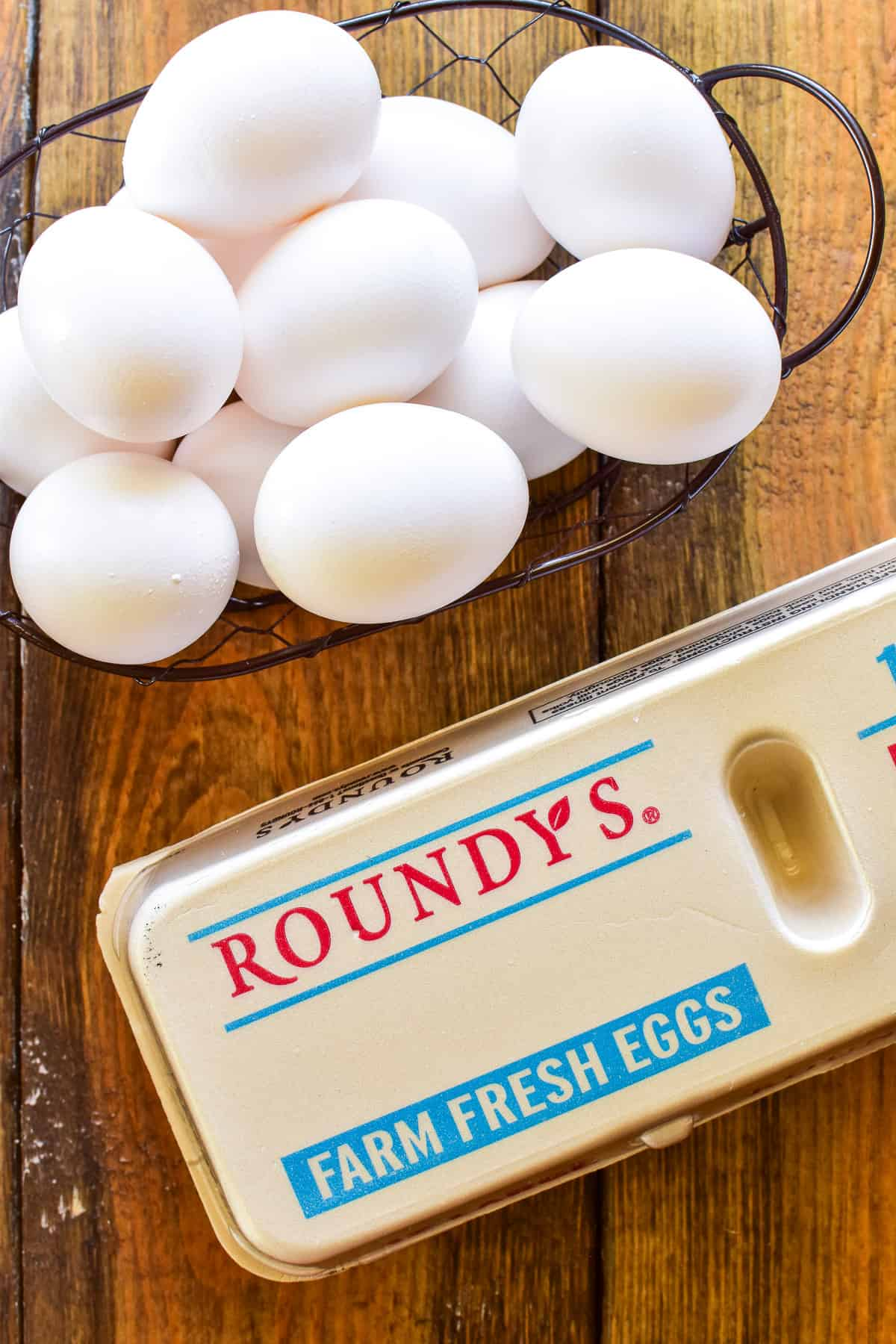 Roundy's egg carton and eggs