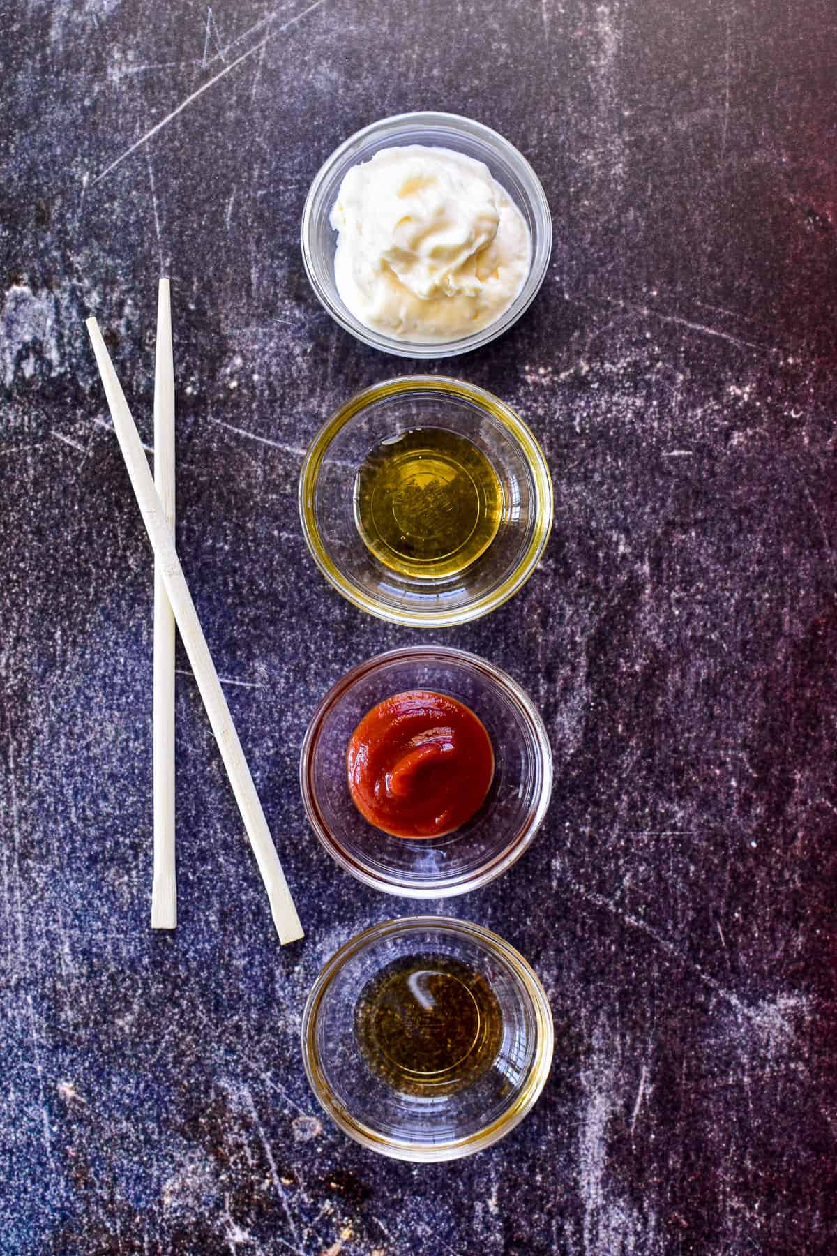 Spicy Mayo ingredients in small glass bowls